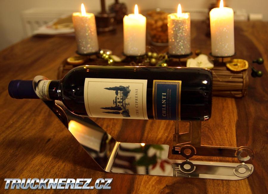 nerezový držák na vína